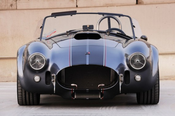 superformance-mkiii-r-cobra_5-570x378